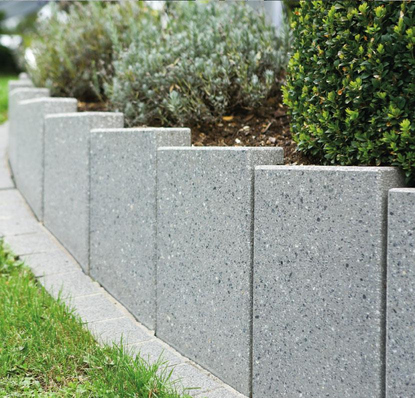 stelen aus beton betonstelen von schwab betonstein. Black Bedroom Furniture Sets. Home Design Ideas