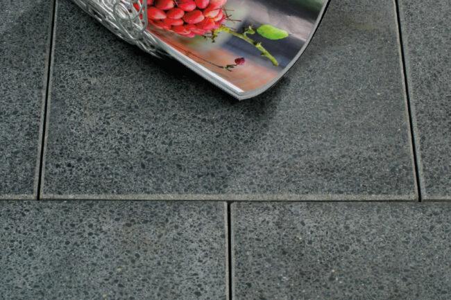 gartenplatten geschliffen von schwab betonstein. Black Bedroom Furniture Sets. Home Design Ideas